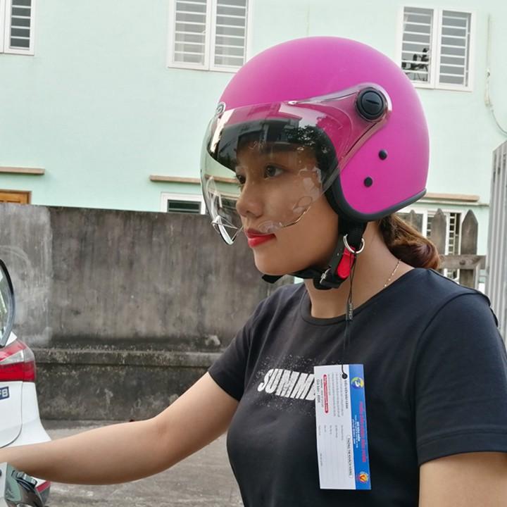 Mũ bảo hiểm kính lượn 3/4 đầu, màu hồng cá tính