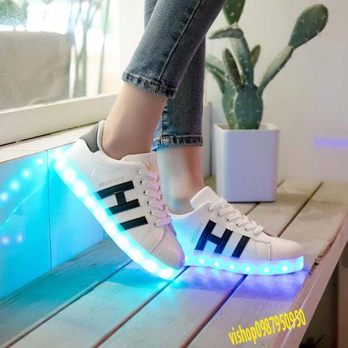 Giày phát sáng chữ ih thể thao nam nữ 7 màu 11 chế độ nháy kèm video thật mã sp sq8011