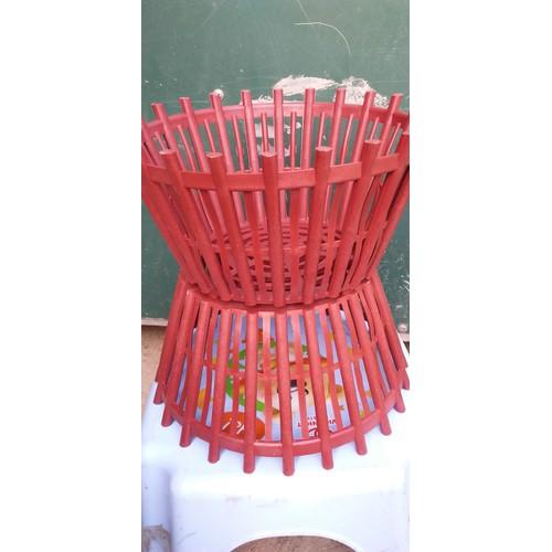 Chậu giả gỗ có nan phụ màu nâu đỏ  kích thước 25x17x29 giá 7k 1 chiếc - 17824048 , 22366311 , 15_22366311 , 70000 , Chau-gia-go-co-nan-phu-mau-nau-do-kich-thuoc-25x17x29-gia-7k-1-chiec-15_22366311 , sendo.vn , Chậu giả gỗ có nan phụ màu nâu đỏ  kích thước 25x17x29 giá 7k 1 chiếc