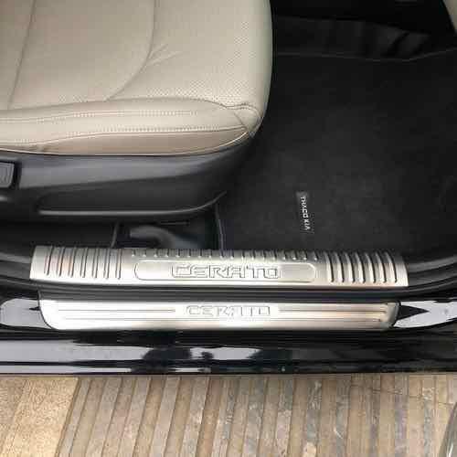 Kia cerato 2019: ốp bậc trong ngoài inox 8 thanh