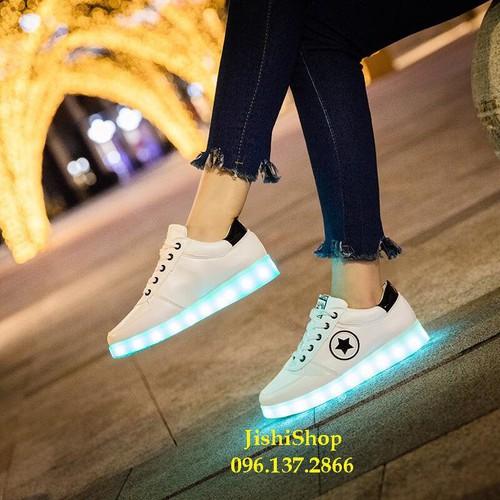 Giày phát sáng đèn led cao cấp 7 màu 11 chế độ cá tính tặng dây giày 7 màu sắc yuyu