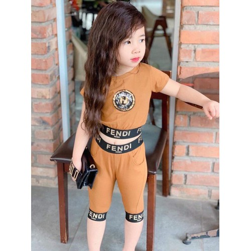 Thời trang bé gái