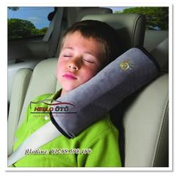 Gối ngủ cài dây an toàn Hello ô tô