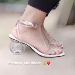 Giày sandal cao gót quai trong gót tròn độc lạ
