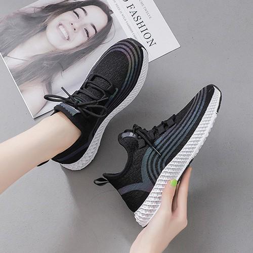 Giày sneaker nữ phản quang dây buộc tròn trẻ trung