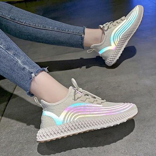 Giày sneaker nữ phản quang dây buộc tròn trẻ trung - 20784757 , 23802534 , 15_23802534 , 320000 , Giay-sneaker-nu-phan-quang-day-buoc-tron-tre-trung-15_23802534 , sendo.vn , Giày sneaker nữ phản quang dây buộc tròn trẻ trung