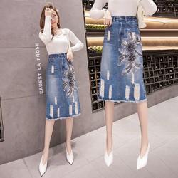 Chân váy jean đính hoa 2CV2222