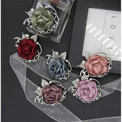 Cài áo hoa hồng Hàn Quốc