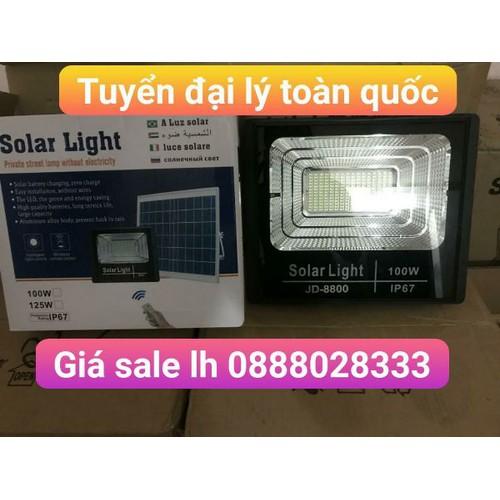 Đèn năng lượng mặt trời 100w jd8800