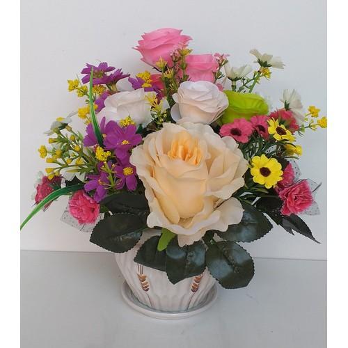Hoa giả - bình hoa hồng để bàn