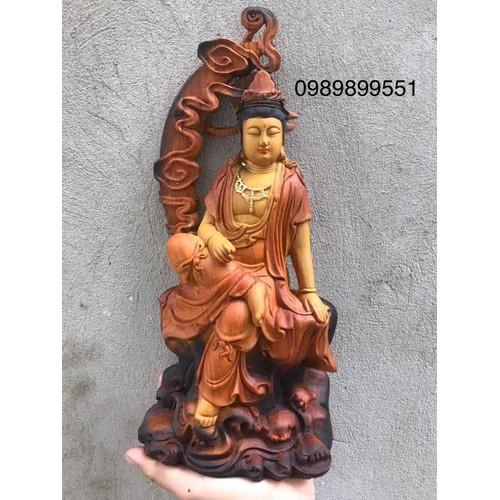 Phật bà ngồi cung trăng