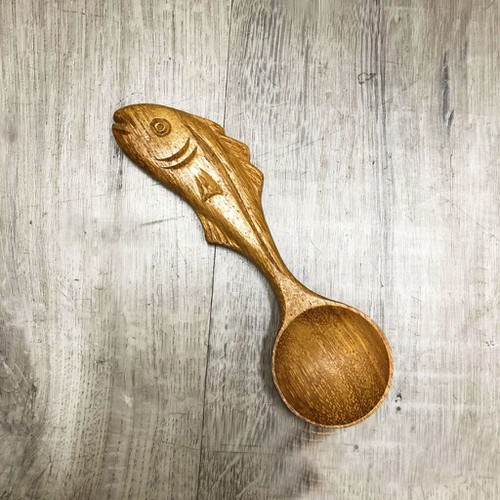 Muỗng gỗ hình con cá số 2