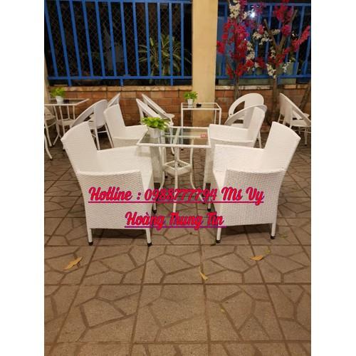 Bàn ghế mây cafe sân vườn màu trắng