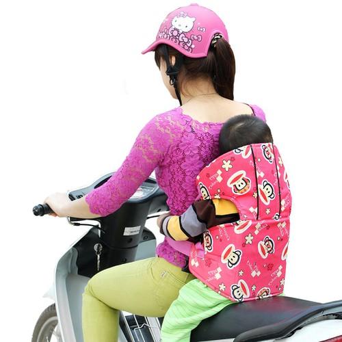 Đai xe máy có đỡ cổ chắc chắn an toàn cho bé