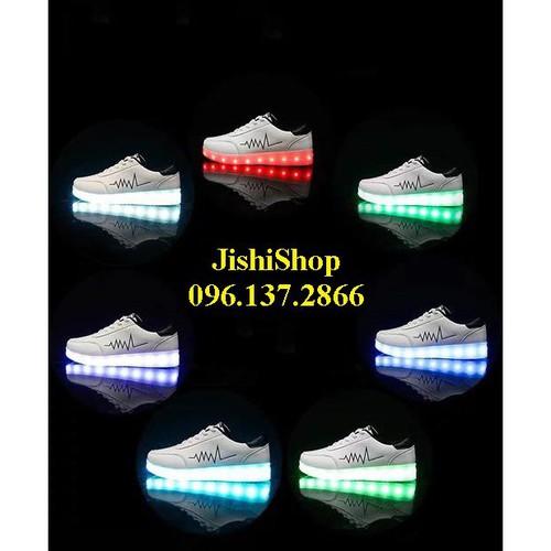 Nhịp tim đen trắng giày phát sáng đèn led 7 màu 11 chế độ đẹp mắt mua 1 tặng 1 giá sỉ - 20545735 , 23423204 , 15_23423204 , 258000 , Nhip-tim-den-trang-giay-phat-sang-den-led-7-mau-11-che-do-dep-mat-mua-1-tang-1-gia-si-15_23423204 , sendo.vn , Nhịp tim đen trắng giày phát sáng đèn led 7 màu 11 chế độ đẹp mắt mua 1 tặng 1 giá sỉ