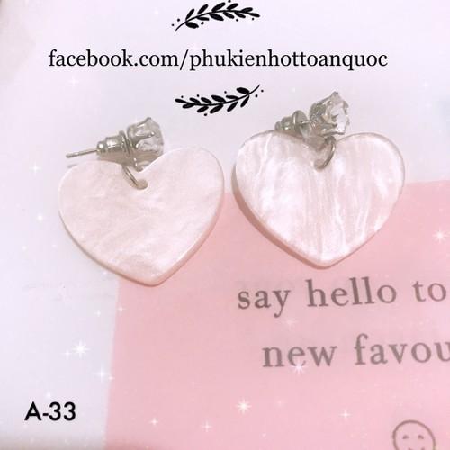 Hoa tai trái tim màu hồng