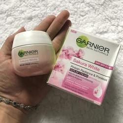Kem Dưỡng Trắng Da Garnier Sakura White Thái Lan(kem ngày)