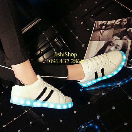 2v giày phát sáng đèn led 2 vạch cao cấp sáng 7 màu dùng cho học sinh tặng thêm dây giày 7 màu