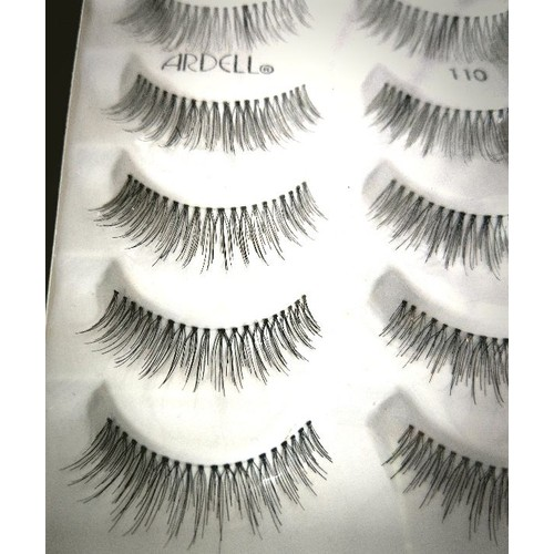 Lông mi ardell natural lashes auth