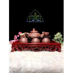 Bộ ấm chén sứ tử sa Phu Thê Viên Mãn tặng khay trà Minh Hải