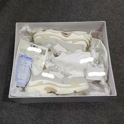 Giày Triple S full box phụ kiện