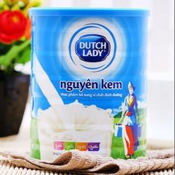 Sữa bột nguyên kem cô gái Hà Lan 900g cho cả gia đình