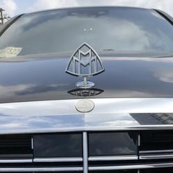 Logo huy hiệu nắp capo đầu xe ô tô Maybach cao cấp MB2668
