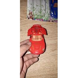 Chiếc siêu xe bằng nhựa chạy chớn được chọn màu