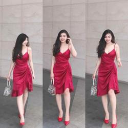 Đầm đỏ lụa 2S tà lệch cực xinh