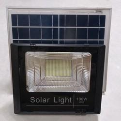 Đèn led pha năng lượng mặt trời 100W