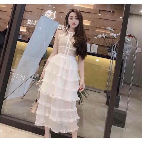 Đầm ren xòe tầng