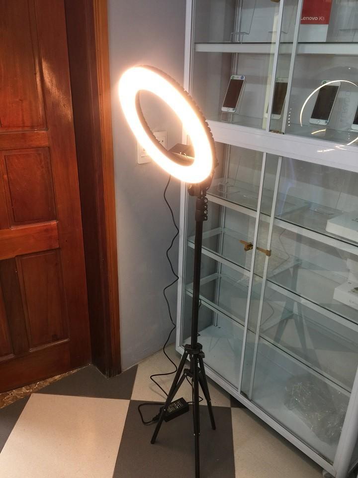 Đèn Led Ring 35cm hỗ trợ livestream, make up + chân đèn 1