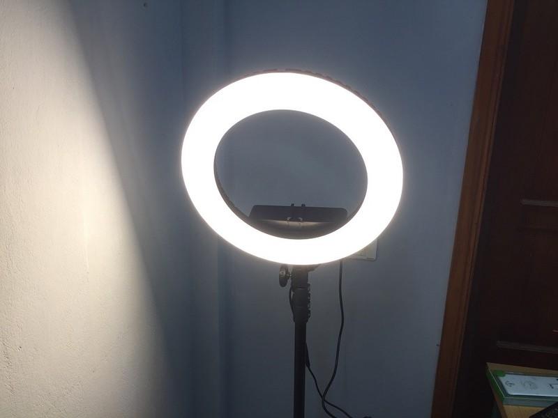 Đèn Led Ring 35cm hỗ trợ livestream, make up + chân đèn 2