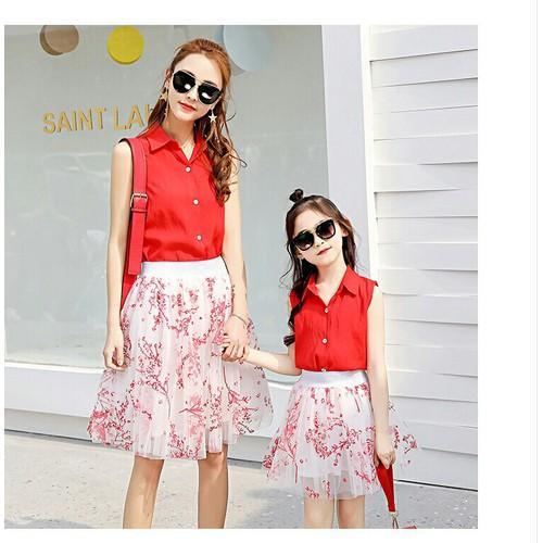 Set áo kèm chân váy hoa cho mẹ và bé - 7462160 , 14066751 , 15_14066751 , 380000 , Set-ao-kem-chan-vay-hoa-cho-me-va-be-15_14066751 , sendo.vn , Set áo kèm chân váy hoa cho mẹ và bé