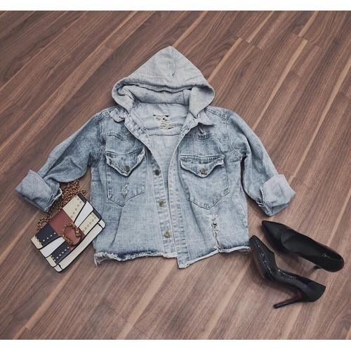 Áo khoác jean nữ xinh xắn
