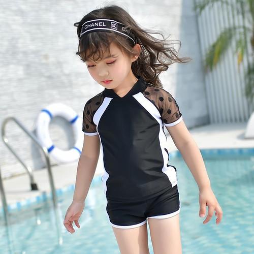 Đồ bơi bé gái kín đáo