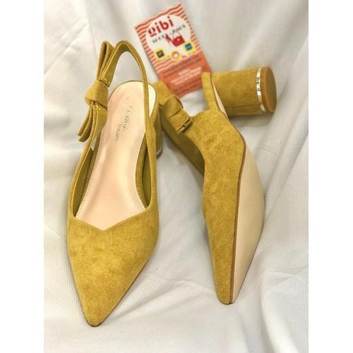 Giày sandal mũi nhọn gót trụ 5p nơ CEWRA màu Vàng