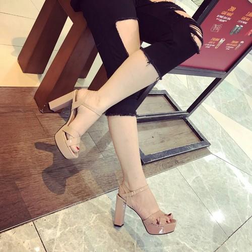 Giày sandal cao gót quai chéo