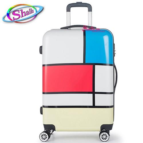 Vali nhựa 24 inch hoạ tiết 3 sắc màu 3D Shalla