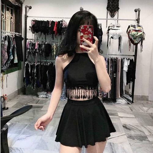 Bikini hai mảnh đen áo yếm tua rua quần váy