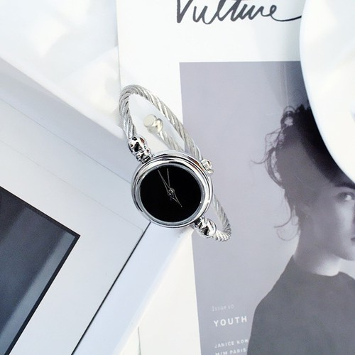 Đồng hồ nữ Candycat 1 dây thép không gỉ, mặt tròn không số