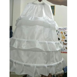 Tùng Lộng lót váy cưới bung xòe gọng thép 3 tầng