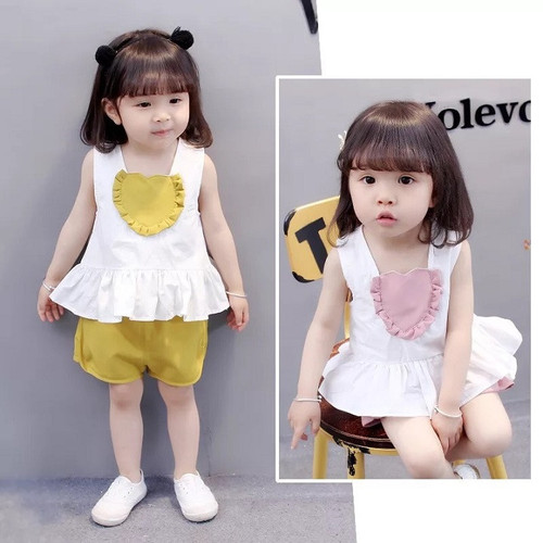 Combo 2 bộ đồ bé gái cổ tim áo trắng quần cộc