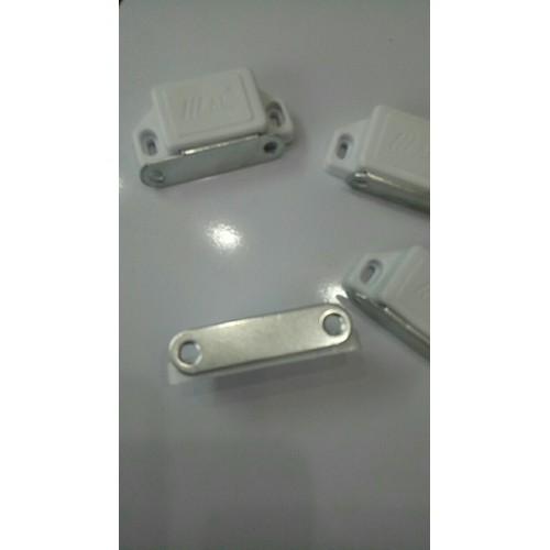 30 cái Nam châm hít cửa tủ to Kt: 50x25x15mm