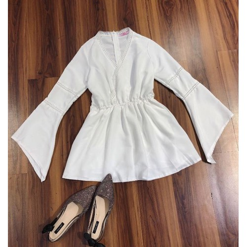 jumpsuit trắng tinh khôi