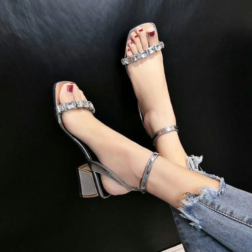 Giày gót vuông đính đá