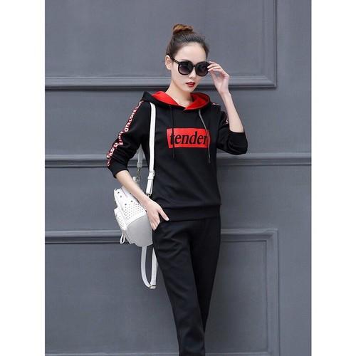 bộ quần áo thể thao nữ chữ Tender phía trước