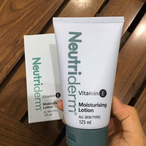 Kem Dưỡng Da Vitamin E Neutriderm