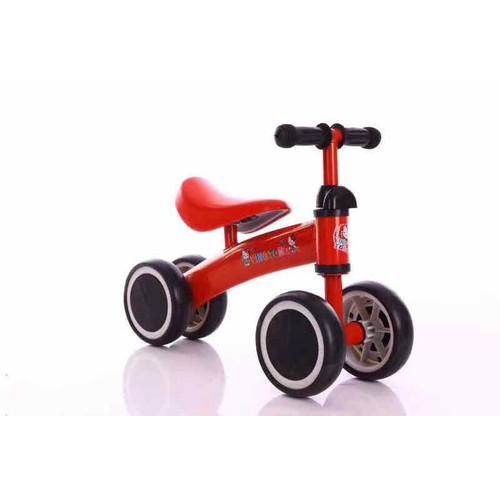 Xe thăng bằng chòi chân 4 bánh cho bé