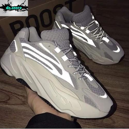 giày thể thao yeezy 700 phản quang